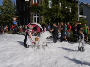 Schubkarrenrennen Morsbach_21.07.2013_026CBuchen