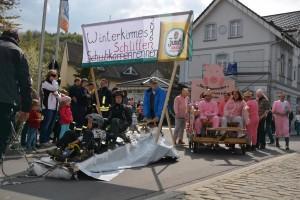 K800_Schubkarrenrennen Morsbach_26.04.2015_019FotoHJSchuh