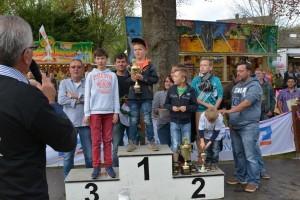 K800_Schubkarrenrennen Morsbach_26.04.2015_074FotoHJSchuh